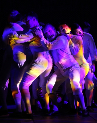 Members_of_the_company_in_A_Midsummer_Night_s_Dream.Credit_Dominic_Clemence._msd71