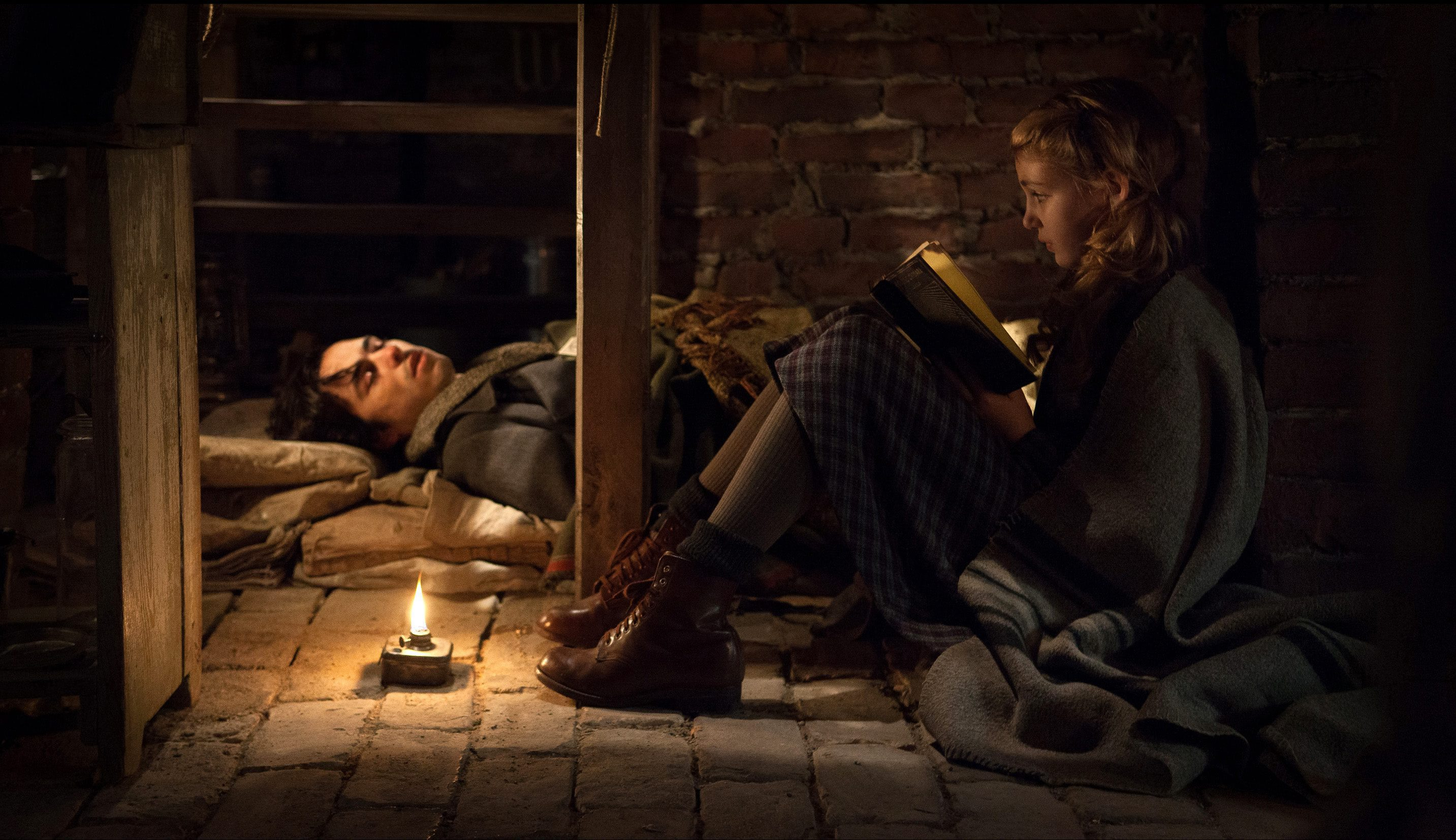main characters in the book thief the book thief character sheet  the book thief peter viney s blog film review the book thief