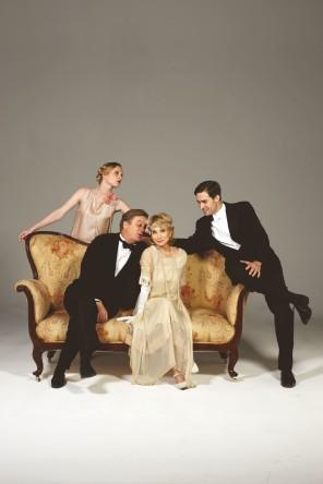 Hay-Fever-starring-Felicity-Kendal-and-Simon-Shepherd-296x444