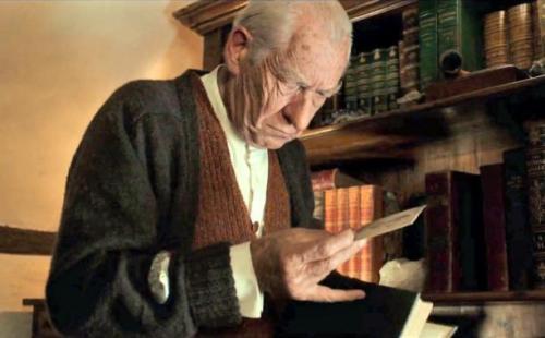 Sir-Ian-McKellen-as-Sherlock-Holmes-in-Mr.-Holmes