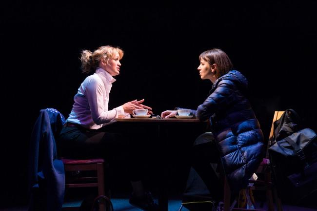 Lucy-Briggs-Owen-Hettie-and-Natalie-Klamar-Suzy-in-Future-Conditional.-Photo-credit-Manuel-Harlan