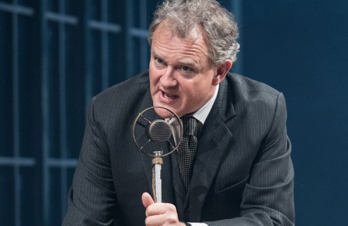 Hugh-Bonneville-in-An-Enemy-of-the-People-at-the-Chichester-Minerva-700x455