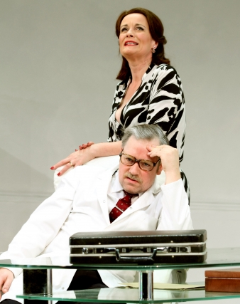 Catherine_Russell_as_Mrs_Prentice_and_Dr_Prentice_as_Dr_Prentice___What_the_Butler_Saw____c__Catherine_Ashmore