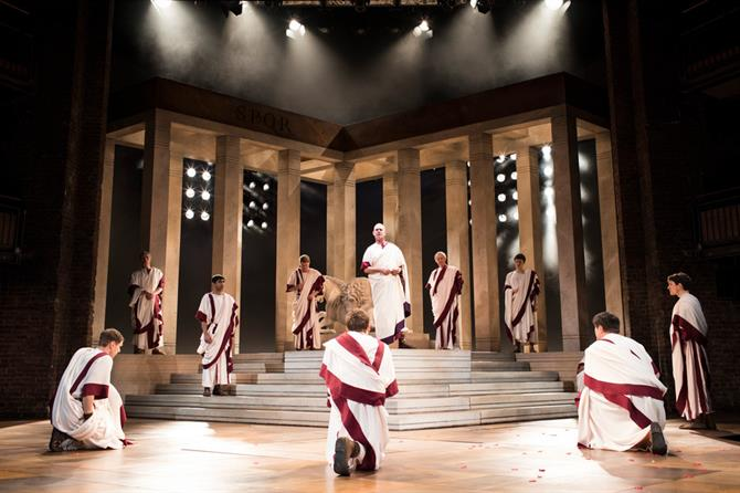 julius-caesar-production-images_-2017_2017_photo-by-helen-maybanks-_c_-rsc_214262.tmb-gal-670
