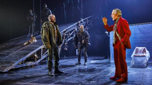rory_kinnear_as_macbeth_patrick_okane_as_macduff_and_stephen_boxer_as_duncan_c_brinkhoff_mogenburg_1002-0500