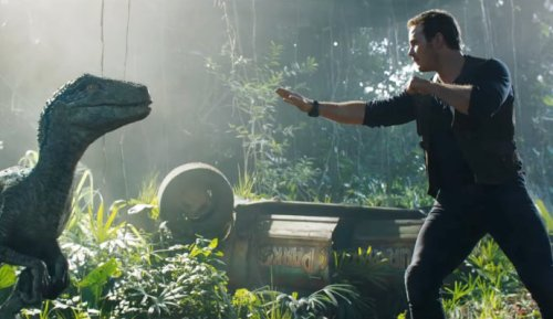 jurassic-world-fallen-kingdom-chris-pratt-reunites-with-blue
