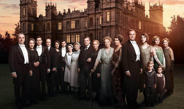 Downton-Abbey-movie-pictures-cast-reunite-start-filming-1021239