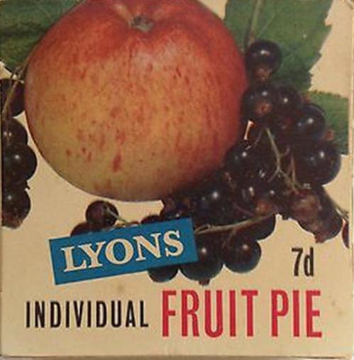 Vintage-Shop-Advertising-Display-Lyons-Fruit-Pie-Box