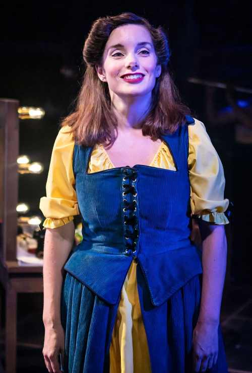 Kiss-Me-Kate-at-The-Watermill-Theatre.-Rebecca-Trehearn.-Photo-Pamela-Raith