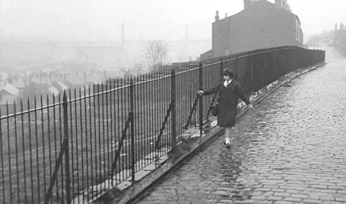 Rita Tushingham - A Taste of Honey (1961) cobbles